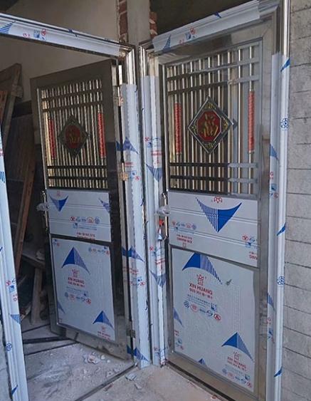 高安不锈钢包边管门生产厂家